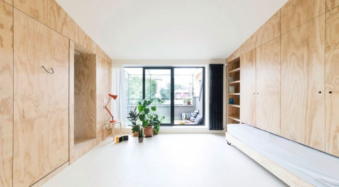 Living area with great flexibility in a tiny 28 sqm apartment