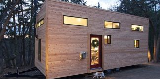 Small house by Andrew & Gabriella Morrison